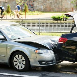 ACCIDENTES DE AUTOMÓVIL